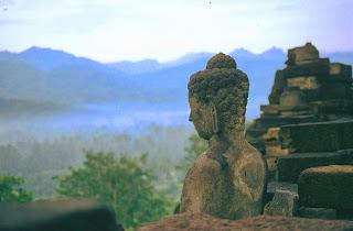 Méditation bouddhiste et yoga, entretien avec Sabine Rabourdin